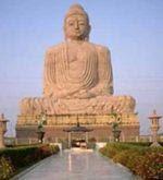 buddha-statue-bodh-gaya-priya-travels