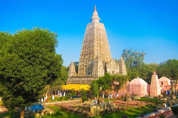 mahabodhi-stupa-bodh-gaya-priya-travels