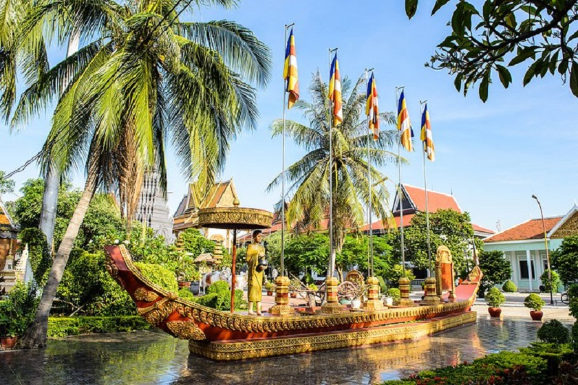 cambodia-siem-reap-where-to-stay-luxury-temple-priya-travels