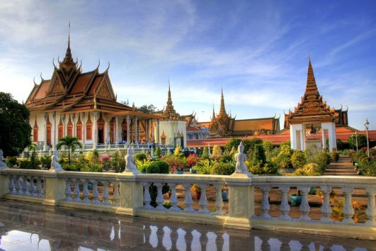 phnom-pneh-cambodia-tour-priya-travels