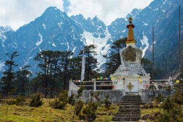 lachung-monastery-sikkim-tour-priya-travels