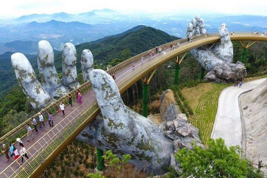vietnam-da-nang-golden-bridge-priya-travels