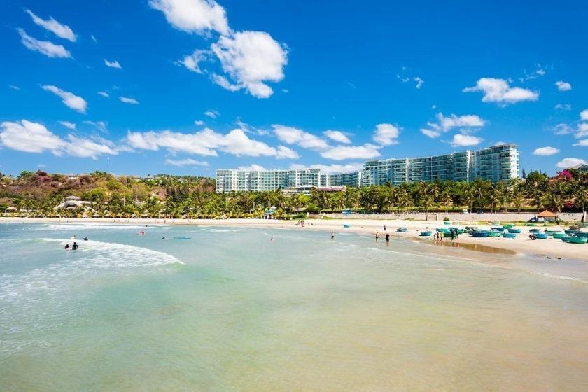 vietnam-mui-ne-canva-beach-priya-travels