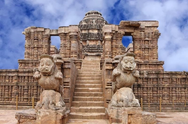 konark-temple-of-sun-priya-travels