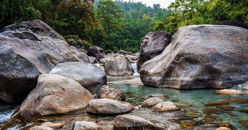 rocky-island-dooars-priya-travels