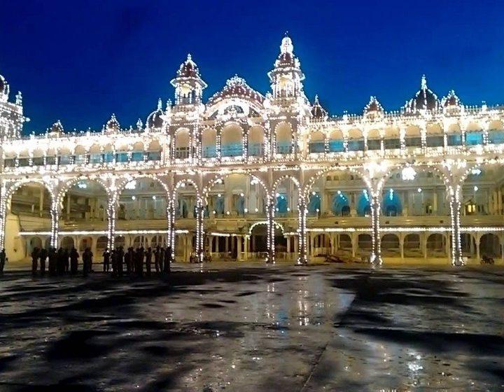 karnataka-mysore-palace-priya-travels